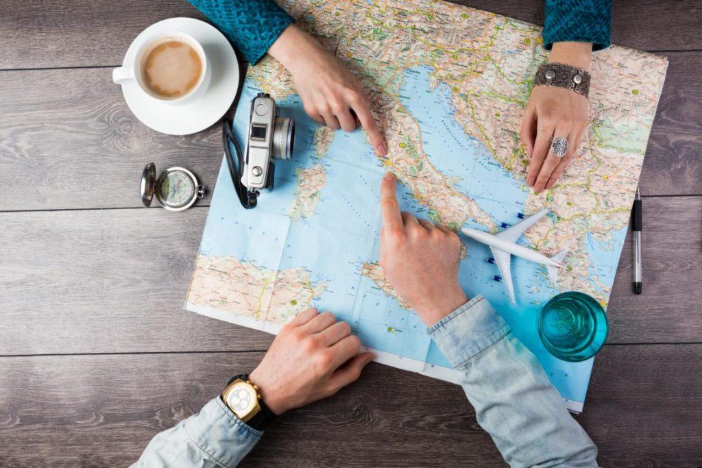 Beschreiten Sie neue Wege -Reisen bildet